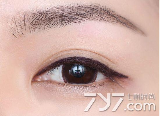 新手画眼线的步骤图片